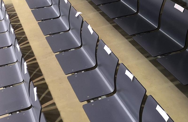 つくばカピオアリーナ(プロレス)の椅子