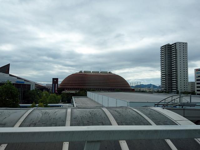 市民広場駅から神戸ワールド記念ホール