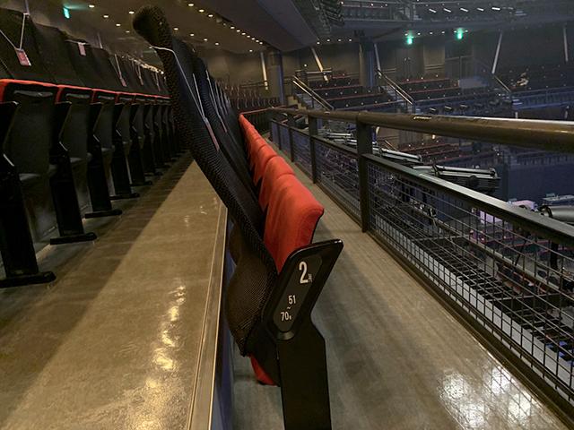 バルコニーの椅子/第1バルコニー/リングサイド席:東京ドームシティホールでプロレスを見る!座席・アクセス・見え方を紹介