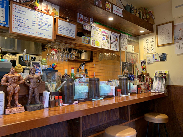 店内/うまい肉と麺の店ヨネ家
