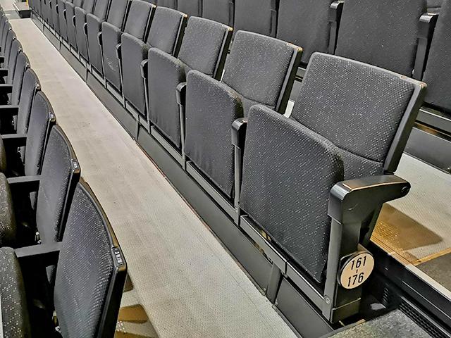 スタンド席の椅子(さいたまスーパーアリーナ)